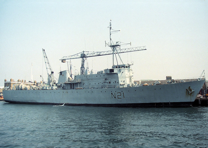 Abdiel pictured in Portsmouth Naval Base on 14th May 1988