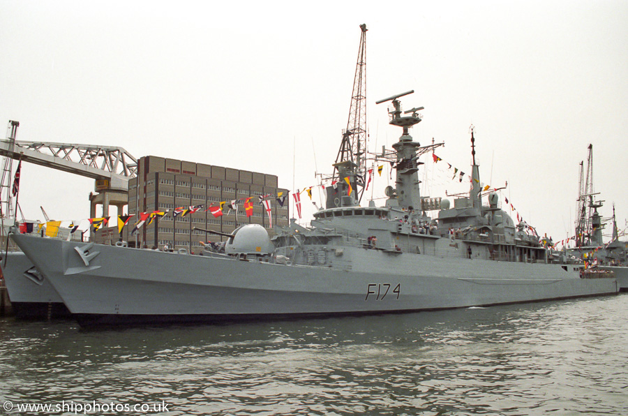 Alacrity pictured in Devonport Naval Base on 28th July 1989