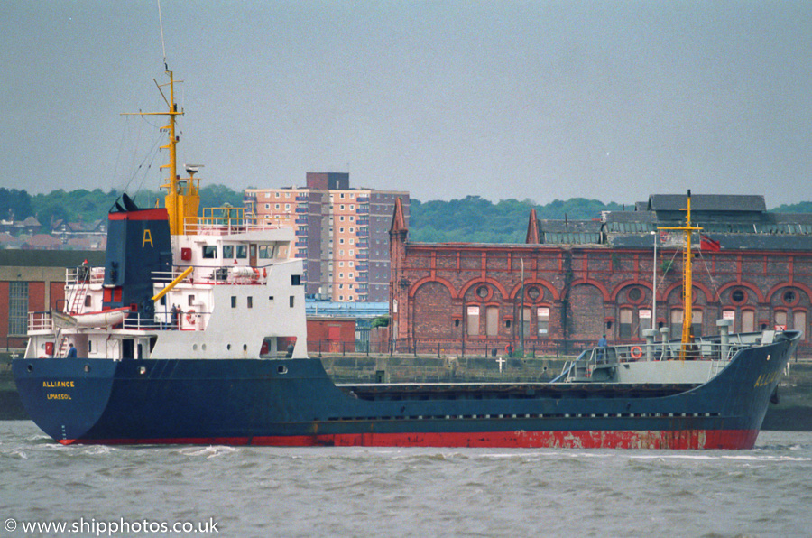 Alliance pictured on the River Mersey on 20th May 2000