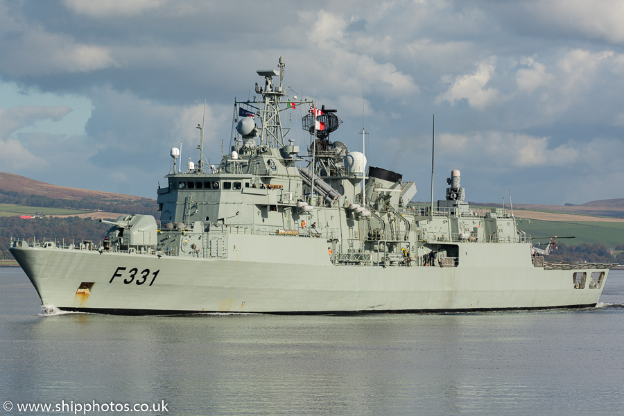 Álvares Cabral pictured passing Greenock on 9th October 2016