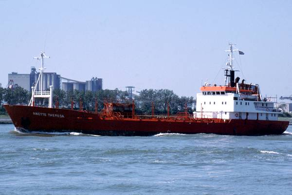 Anette Theresa pictured on the New Waterway on 17th June 2002