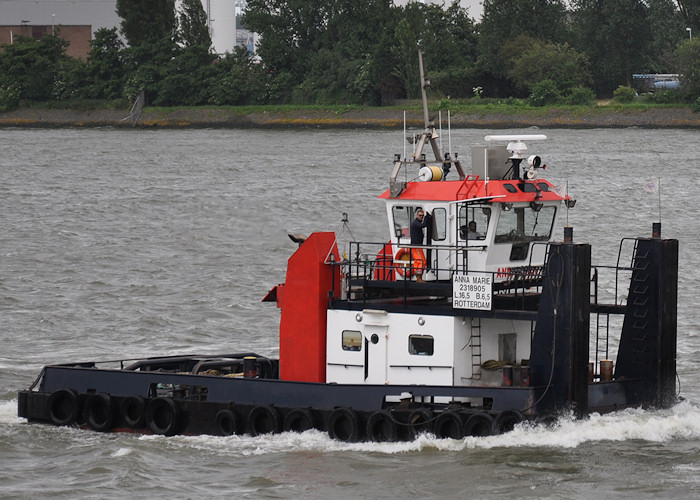 Anna Marie pictured passing Vlaardingen on 22nd June 2012