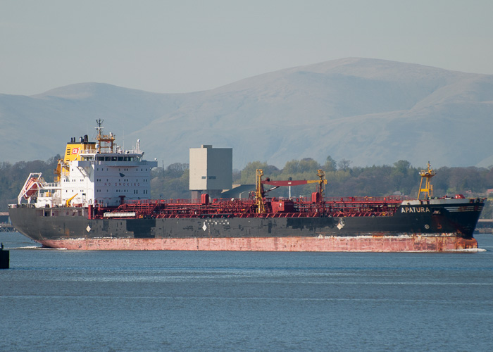 Apatura pictured passing Queensferry on 18th April 2014
