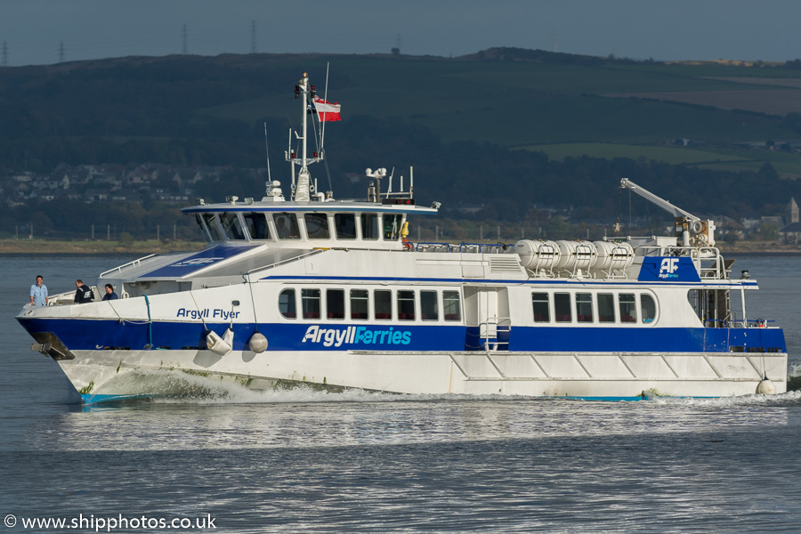 Argyll Flyer pictured passing Greenock on 9th October 2016