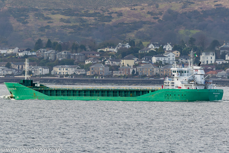 Arklow Ruler pictured passing Gourock on 23rd March 2017