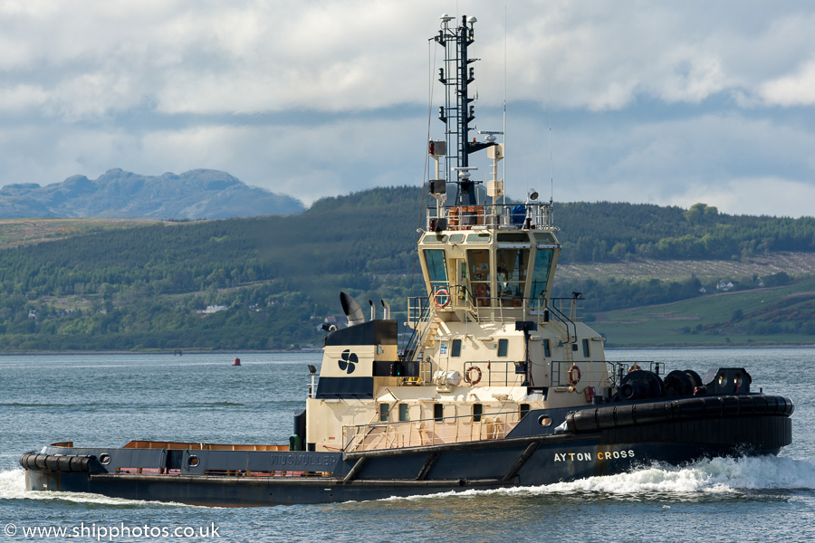 Ayton Cross pictured passing Greenock on 21st May 2016