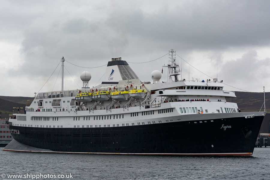 Azores pictured departing Lerwick on 20th May 2015