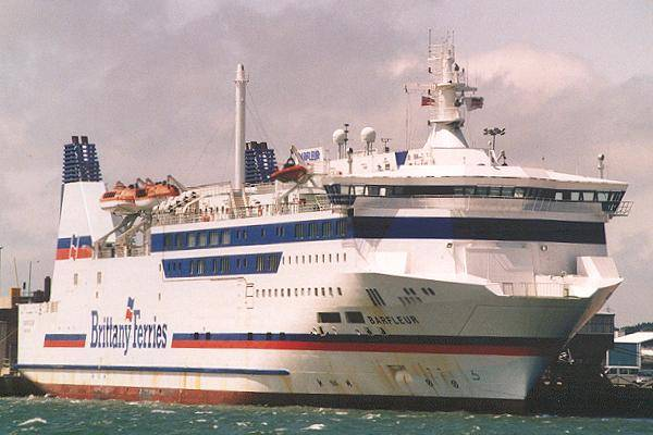 Barfleur pictured in Poole on 14th June 2000