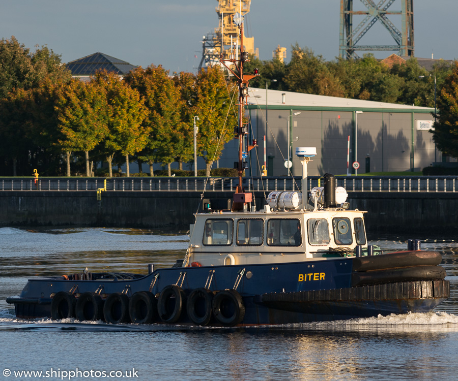 Biter pictured passing Greenock on 9th October 2016