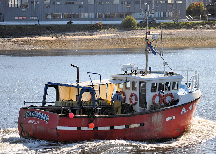 Boy Gordon V pictured arriving at Aberdeen on 16th April 2012