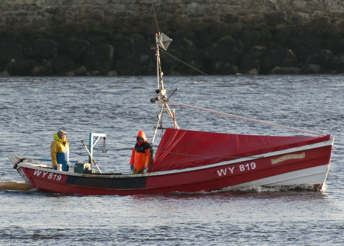 Boy Mitchell pictured passing Tynemouth on 30th December 2014