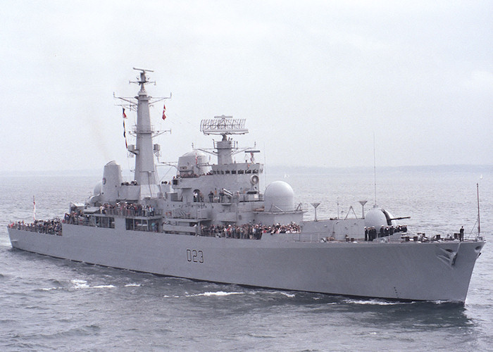 Bristol pictured entering Portsmouth Harbour on 30th April 1988