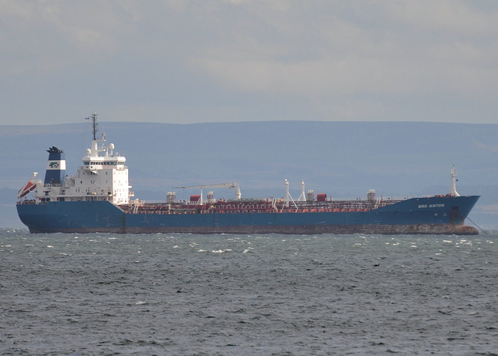 Bro Anton pictured at anchor in the Firth of Forth on 17th September 2012