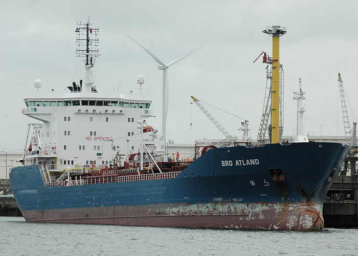 Bro Atland pictured in 4e Petroleumhaven, Europoort on 20th June 2010