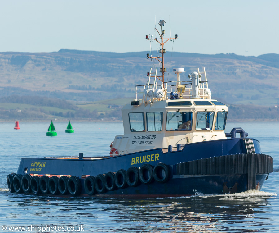 Bruiser pictured approaching Victoria Harbour, Greenock on 26th March 2017