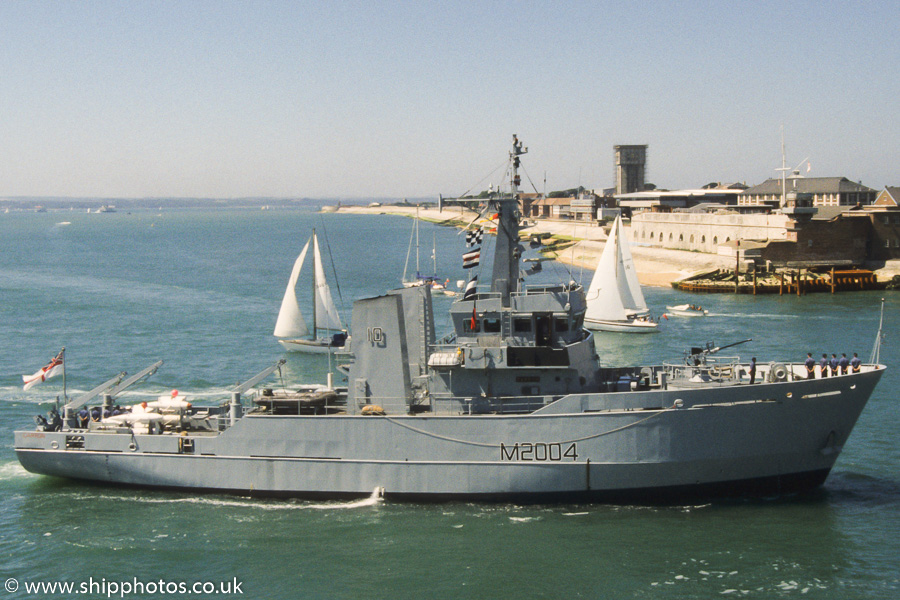 Carron pictured entering Portsmouth Harbour on 25th June 1989