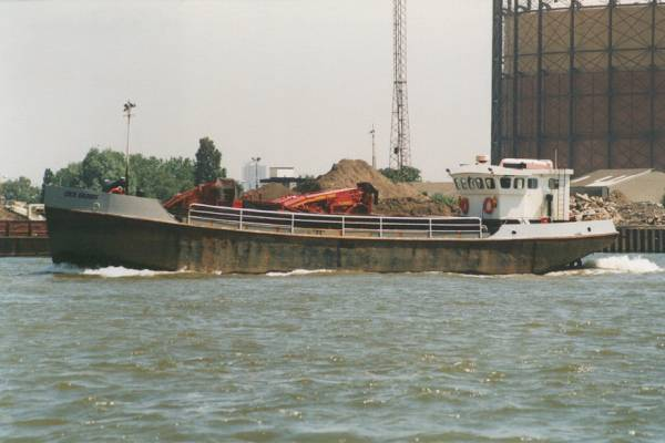 Cecil Gilders pictured passing Greenwich on 27th May 1999