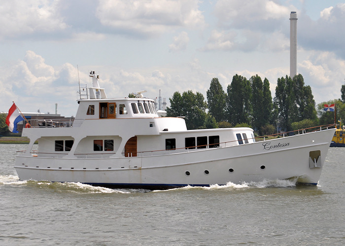 Contessa pictured passing Vlaardingen on 24th June 2011