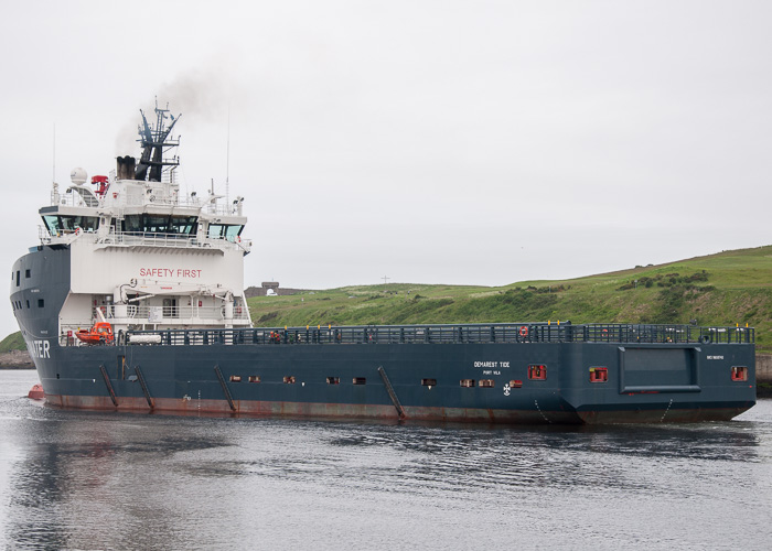 Demarest Tide pictured departing Aberdeen on 13th June 2014