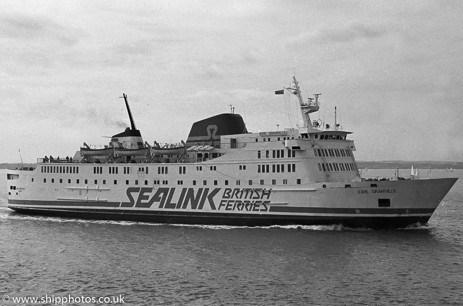 Earl Granville pictured approaching Portsmouth Harbour on 25th March 1989