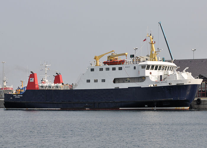 Earl Sigurd pictured departing Kirkwall on 8th May 2013