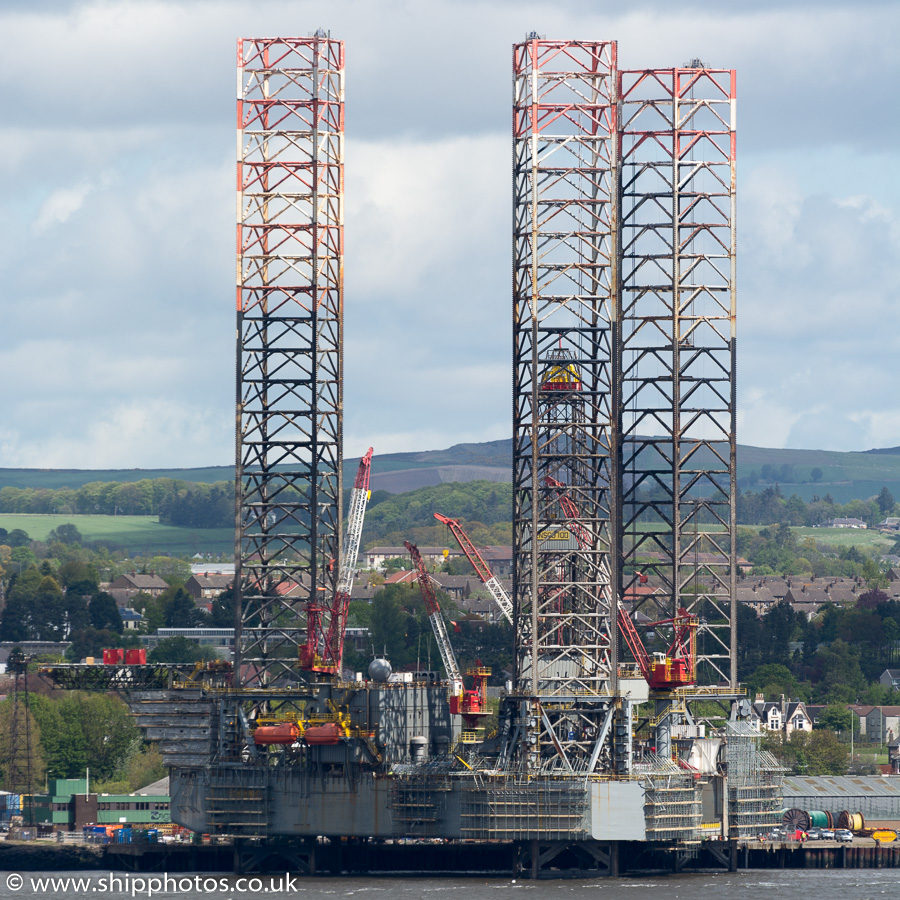 Ensco 100 pictured at Dundee on 17th May 2015