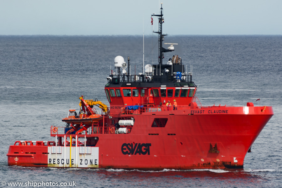 Esvagt Claudine pictured approaching Aberdeen on 17th May 2015