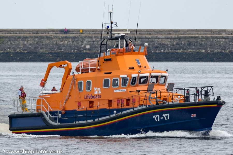 Fraser Flyer pictured passing Tynemouth on 9th June 2018