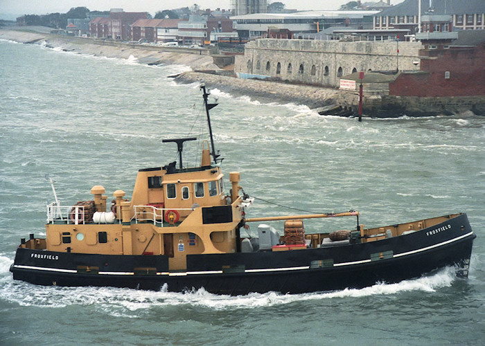Froxfield pictured entering Portsmouth Harbour on 26th October 1988