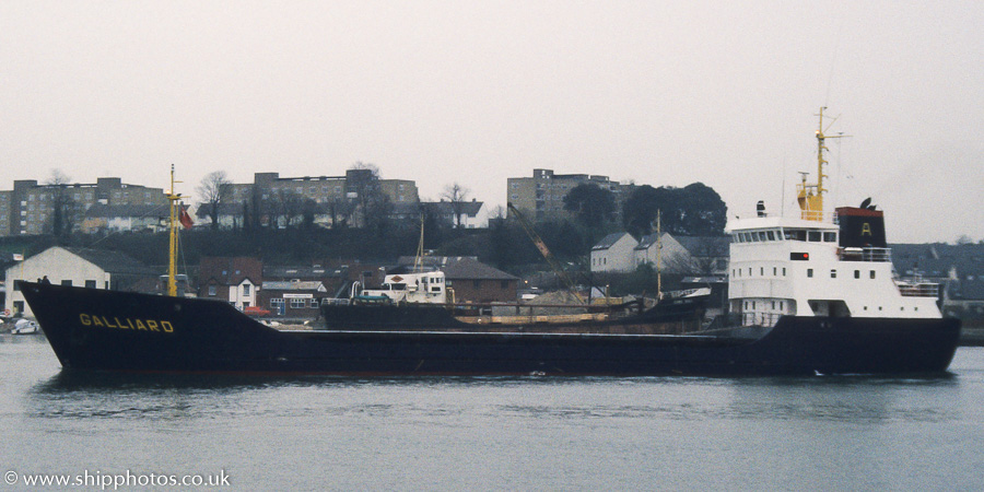 Galliard pictured arriving at Southampton on 1st April 1989