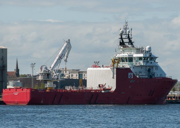 Go Electra pictured at Leith on 2nd May 2014