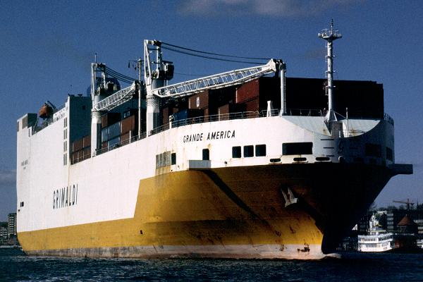 Grande America pictured arriving in Hamburg on 20th March 2001