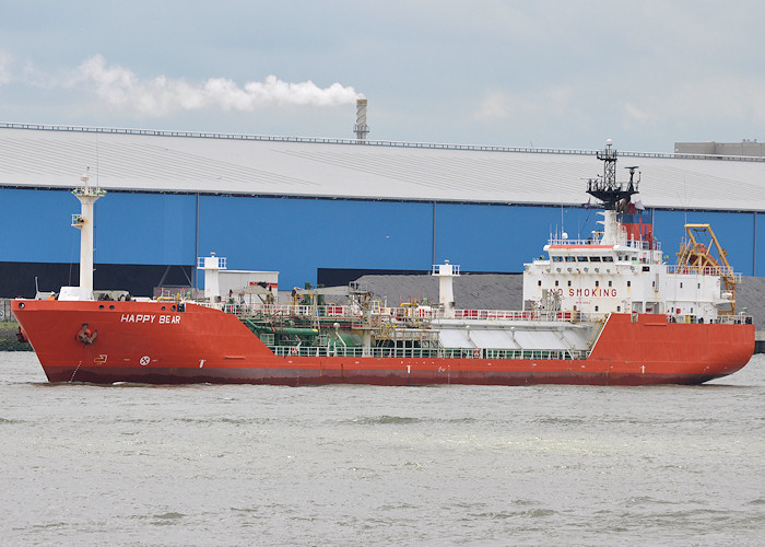Happy Bear pictured arriving at 1e Petroleumhaven, Rotterdam on 25th June 2012