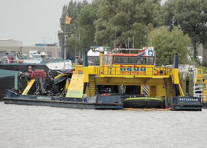 Hebo-Cat 4 pictured in Geulhaven, Rotterdam on 20th June 2010