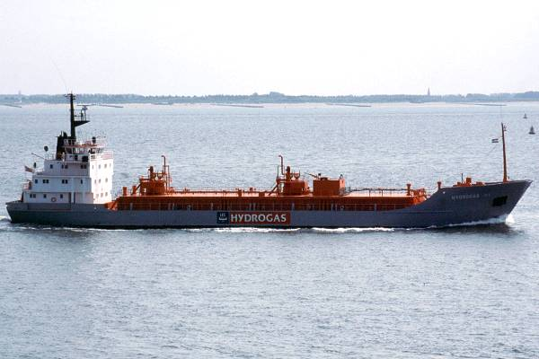 Hydrogas III pictured passing Vlissingen on 19th June 2002