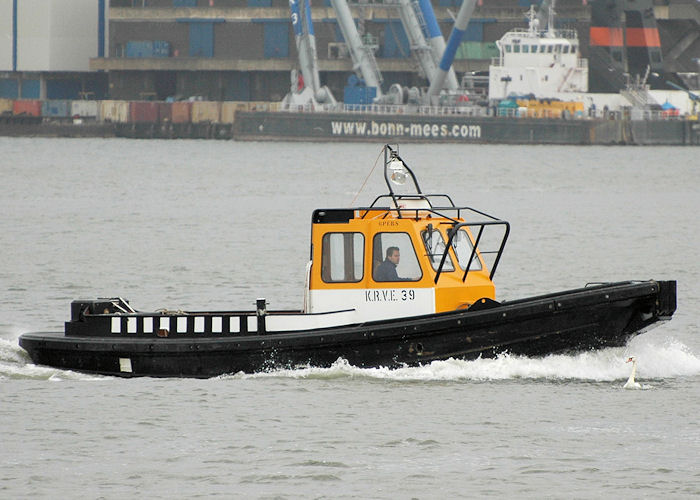 KRVE 39 pictured on the Nieuwe Maas at Rotterdam on 20th June 2010