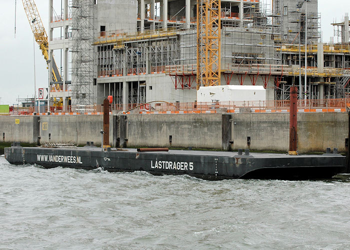 Lastdrager 5 pictured in Mississippihaven, Europoort on 20th June 2010