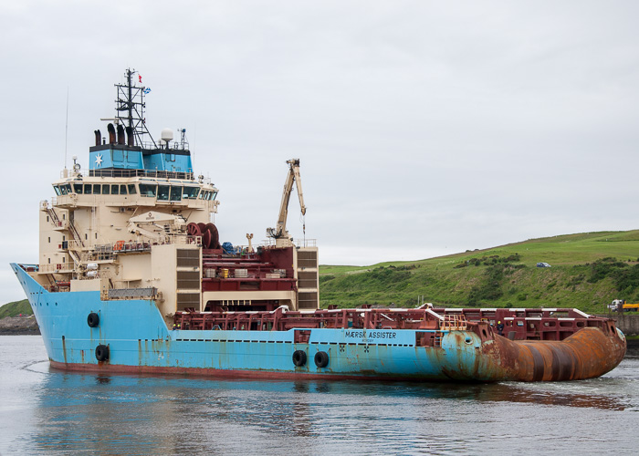Mærsk Assister pictured departing Aberdeen on 13th June 2014