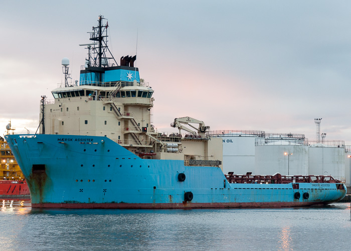 Mærsk Assister pictured departing Aberdeen on 12th October 2014