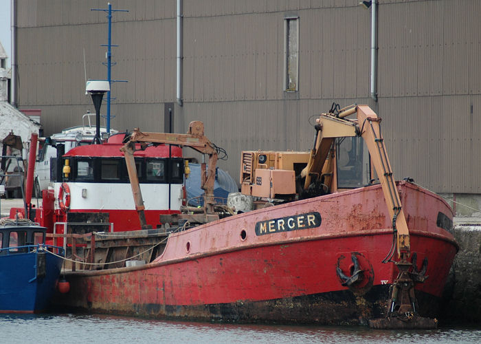 Merger pictured in Glasson Dock on 14th June 2006