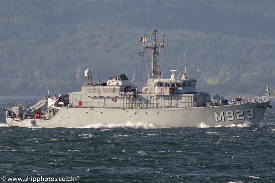 Narcis pictured passing Gourock on 6th October 2016