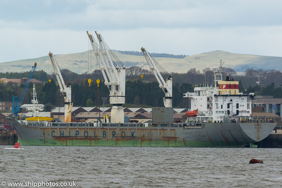 Norwid pictured at Rosyth on 15th April 2017