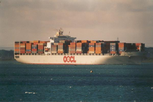 OOCL Shanghai pictured arriving in Southampton on 27th May 2000