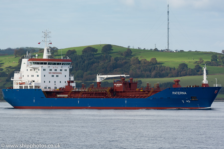 Paterna pictured passing Greenock on 8th October 2016