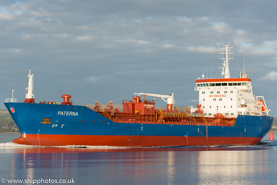 Paterna pictured passing Greenock on 9th October 2016