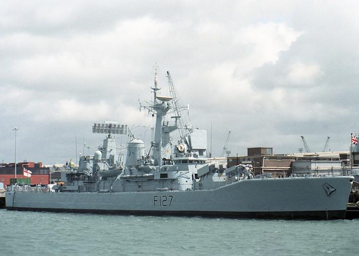 Royal Navy Ships >> Ship Photos - HMS Penelope (F127)