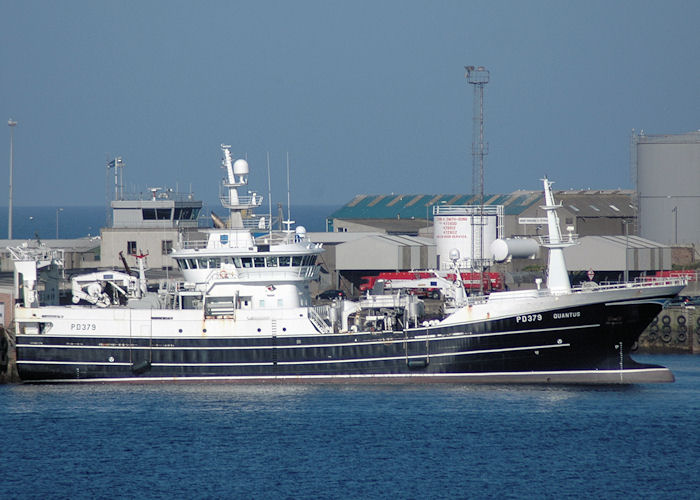 Quantus pictured at Peterhead on 28th April 2011