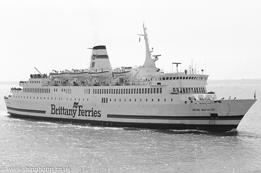 Reine Mathilde pictured entering Portsmouth Harbour on 7th May 1989