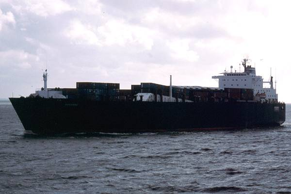 Roxanne pictured on the River Elbe on 29th May 2001