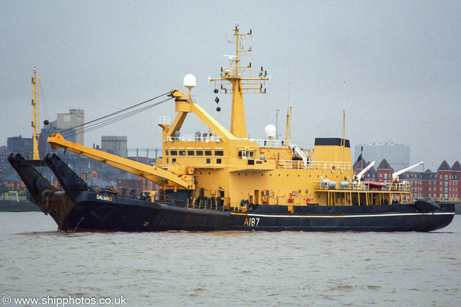 Salmaid pictured on the River Mersey on 24th August 2002
